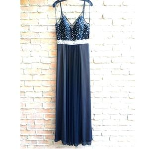 NWT Betsy&Adam Beaded Maxi Gown